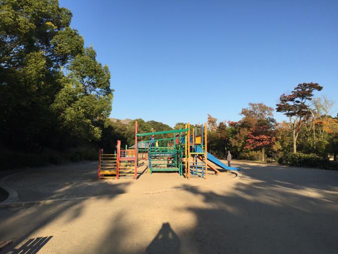春日池公園 遊具