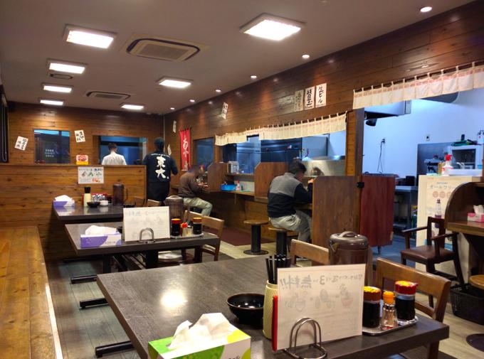 ラーメン東大 福山店 店内