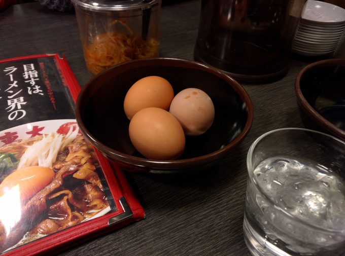 ラーメン東大 生卵