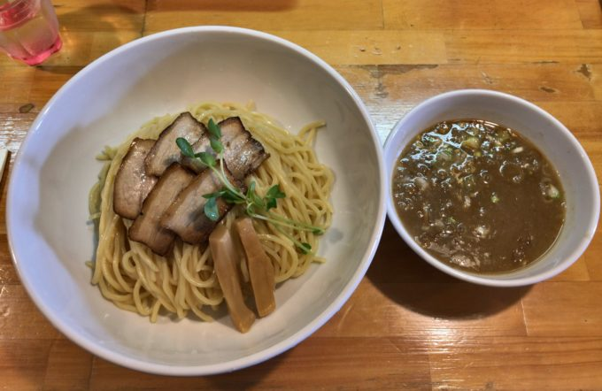 岡山の老舗つけ麺屋「烏城」でつけ麺を食べてきた!お洒落な店内は女子にも人気!
