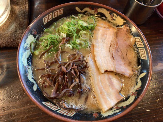 山下商店でとんこつラーメンを食べる!岡山市の大人気ラーメン店は本格派だった!