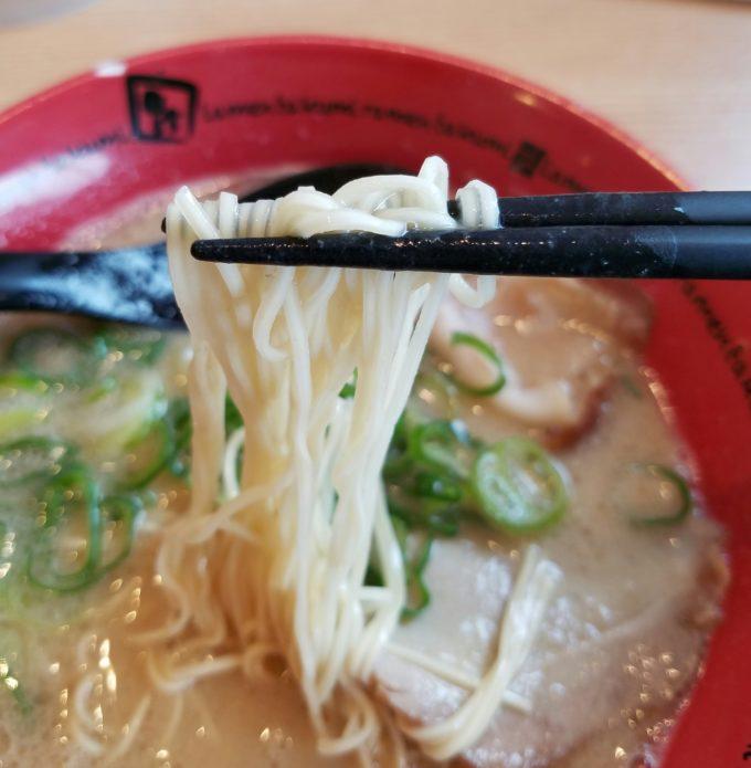 とんこつラーメン 麺